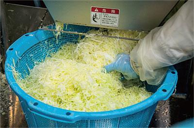 3.野菜のカット作業(機械)